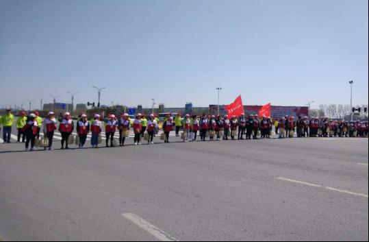 拦截队的红十字志愿者